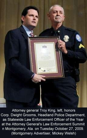 2009-11-AG-Troy-King-Presents-Dwight-Grooms-Officer-of-the-Year
